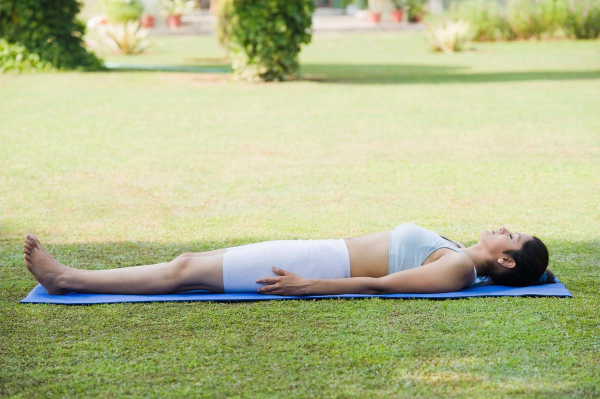 corpse-pose-yoga
